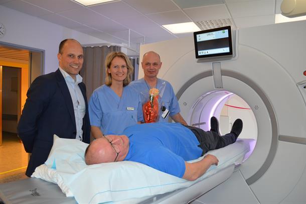 Direktør Torbjørn Aas åpnet mandag 14. mars den nye CT-maskinen ved Sykehuset Namsos.