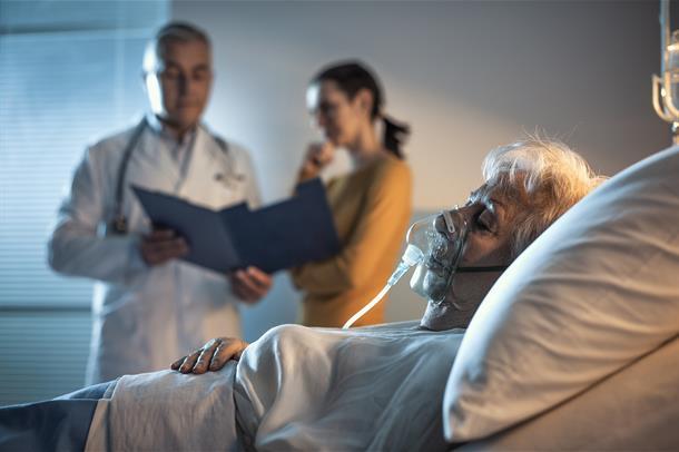 Deling av informasjon om intensivpasienters pårørende – hviskelek og dokumentasjonsdilemma?