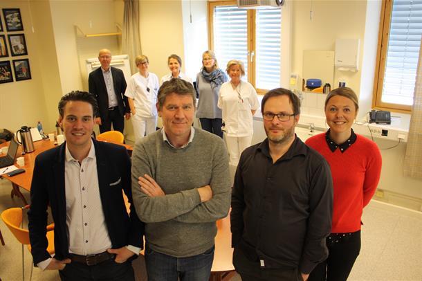 Rimmert van der Kooij, Pieter Jelle Toussaint, Ketil Thorvik og  Elise Landsem står sammen. Bilde.