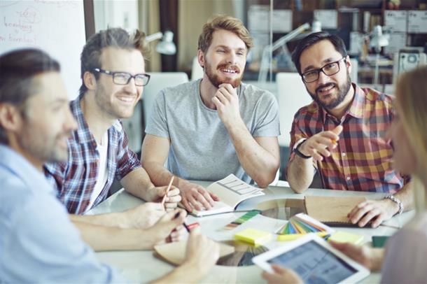 Kan man påvirke ansattes helse og psykososiale arbeidsmiljø  med å styrke lederskapet?