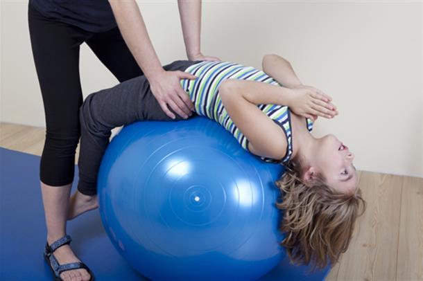 Gir mer fysioterapi større framgang hos barn med cerebral parese?